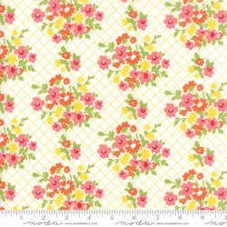 Mama's Cottage - Pineapple Tablecloth